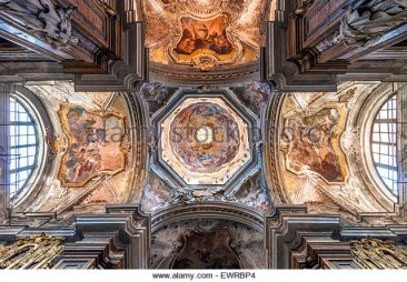 baroque-ceiling-of-santissimo-salvatore-church-in-palermo-sicily-ewrbp4